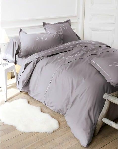 bettw sche bettgarnituren mia bestickt la flaura st ulrich s dtirol. Black Bedroom Furniture Sets. Home Design Ideas